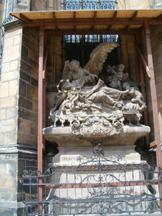 anioł przy katedrze Św. Wita