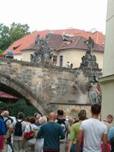 poniżej mostu Karola
